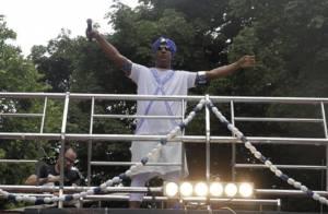 Carnaval: Márcio Victor, do Psirico, comanda trio um dia após cirurgia. 'Susto'
