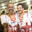 Roberto Birindelli se divertiu nos camarotes da Sapucaí na companhia do autor da novela 'Boogie Oogie' Rui Vilhena no domingo que abriu os desfiles do Grupo Especial do Rio de Janeiro
