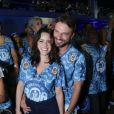 Fernanda Vasconcellos não consegue esconder a felicidade de ter reatado o namoro com Cássio Reis