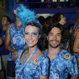 Camilla Rodrigues curte o camarote da Boa com o marido, Roberto Costa