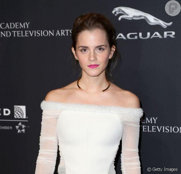 Emma Watson nega romance com príncipe Harry através do Twitter