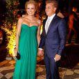 Angélica e Luciano Huck se divertem na festa de casamento de Thiaguinho e Fernanda Souza