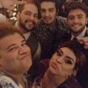 Luan Santana e Anitta curtem festa de casamento de Fernanda Souza e Thiaguinho