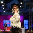 Giovanna Ewbank foi a grande estrela da manhã desta segunda-feira 2 de março de 2015, do Mega Polo Moda, evento que está acontecendo no Brás, em São Paulo. Com a barriga de fora, a mulher de Bruno Gagliasso exibiu sua ótima forma