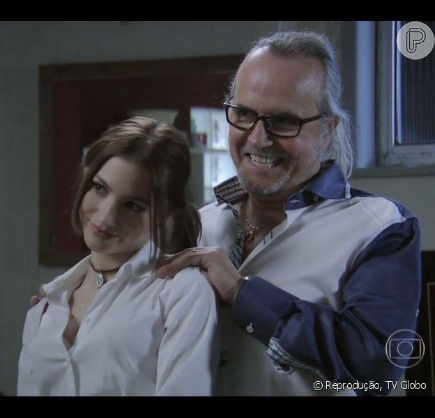 Severo (Tato Gabus Mendes) apresentou o visual de lolita de Noely (Laís Pinho) para a mulher, Magnólia (Zezé Polessa), no capítulo desta segunda-feira, 2 de março de 2015, na novela 'Império'