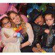 Mariah Carey é mãe dos gêmeos Monroe e Moroccan, nascidos em 2011