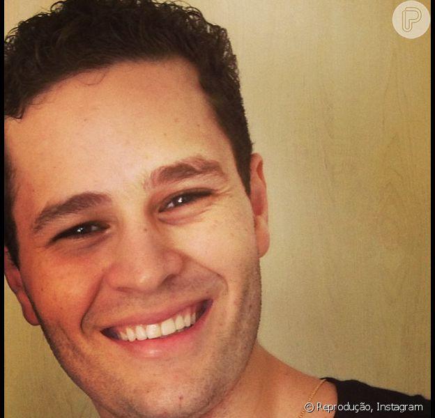 Pedro Leonardo está acertando detalhes com o SBT para ser o repórter de um reality show sertanejo, segundo o assessor do cantor, nesta sexta-feira, 26 de abril de 2013