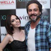 Alexandre Nero e a namorada, Karen Brusttolin, inauguram salão de beleza no Rio