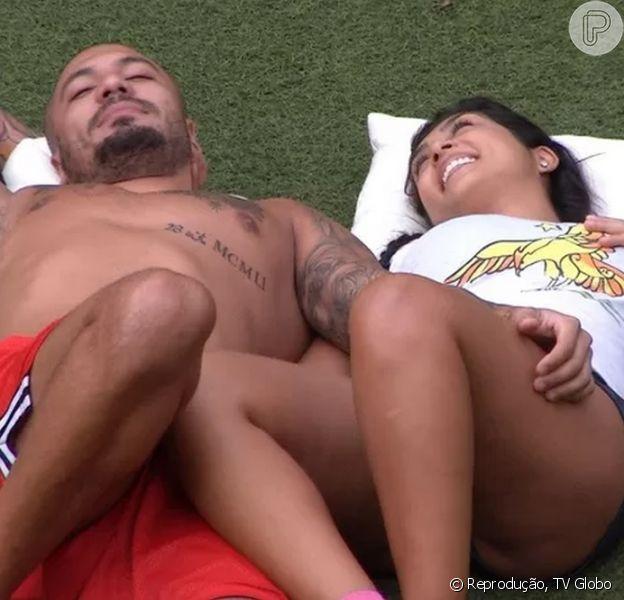 'BBB15': apaixonada, Amanda se declara para Fernando. 'Não vivo sem você'