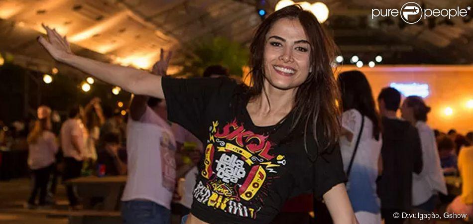 Maria Casadevall mostra boa forma no festival de música Lollapalooza, em São Paulo, neste sábado, 28 de março de 2015