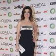 Fátima Bernardes, que foi homenageada com o prêmio Mulher Extraordinária pela L'Oreal, escolheu uma peça assinada pelo estilista Pedro Lourenço
