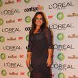 A jornalista Renata Ceribelle escolheu um vestido longo e com transparência