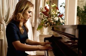 Tatá Werneck toca piano no lançamento de 'I Love Paraisópolis'. Veja vídeo!