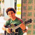 Carlito (Anderson di Rizzi) é irmão e muito amigo de Bruno (Malvino Salvador) em 'Amor à Vida'