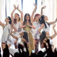 Selena Gomez também se apresentou no Billboard Music Awards 2013