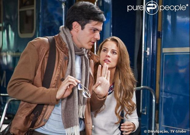 Durante a viagem ao Peru, Félix (Mateus Solano) diz a Paloma (Paolla Oliveira) que ela é adotada, no primeiro capítulo de 'Amor à Vida', em 20 de maio de 2013