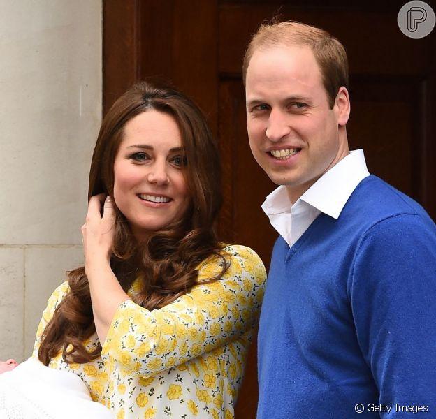 Xale usado na apresentação da filha de Kate Middleton esgota no Reino Unido, nesta segunda-feira, 4 de maio de 2015