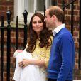 Kate Middleton deixou a maternidade 10 horas após dar à luz Charlotte, surpreendendo a todos