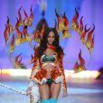 Joan Smallsna passarela do Victoria's Secret Fashion Show