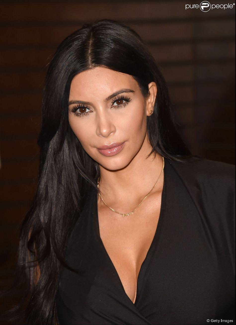 Kim Kardashian declarou em entrevista à revista 'Contigo' que acha as mulheres brasileiras muito sexy, lindas e confiantes