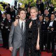 Sienna Miller e Xavier Dolan, que este ano são jurados do Festival de Cannes, posaram juntos no tapete vermelho