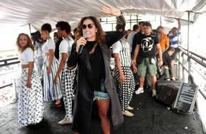 Daniela Mercury agita Parada Gay em São Paulo na companhia de Malu Verçosa