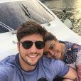 Preta Gil e Rodrigo Godoy fizeram passeio de barco por Dubai, nos Emirados Árabes, nesta quarta-feira, 27 de maio de 2015