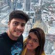 Preta Gil e Rodrigo Godoy visitaram o maior prédio do mundo, o Burj Khalifa, nos Emirados Árabes. Arranha-céu tem 828 metros de altura