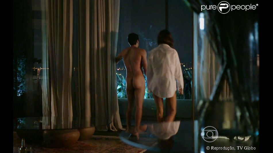 Bumbum de Rodrigo Lombardi em cena da novela 'Verdades Secretas' causa frisson nas redes sociais