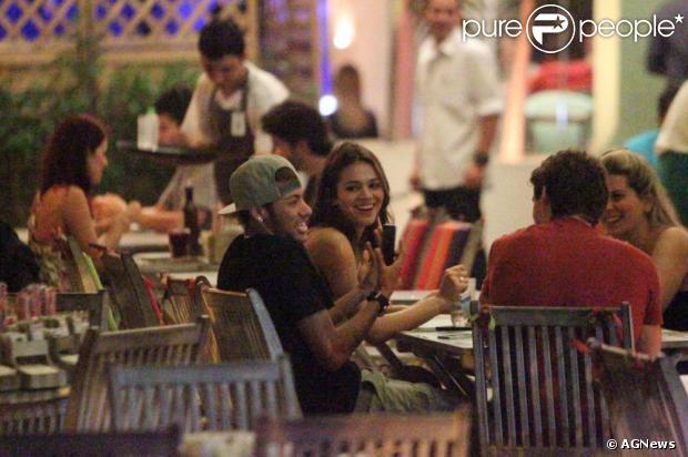 Bruna Marquezine e Neymar estão juntos há 4 meses