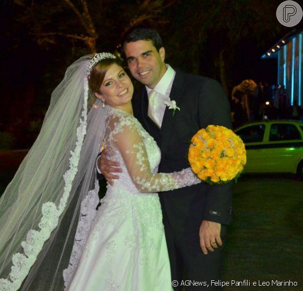 Barbara Borges e Pedro Delfino subiram ao altar na noite desta sexta-feira, 14 de junho de 2013, na casa de festas do Largo da Arruda, no Alto da Boa Vista, no Rio de Janeiro