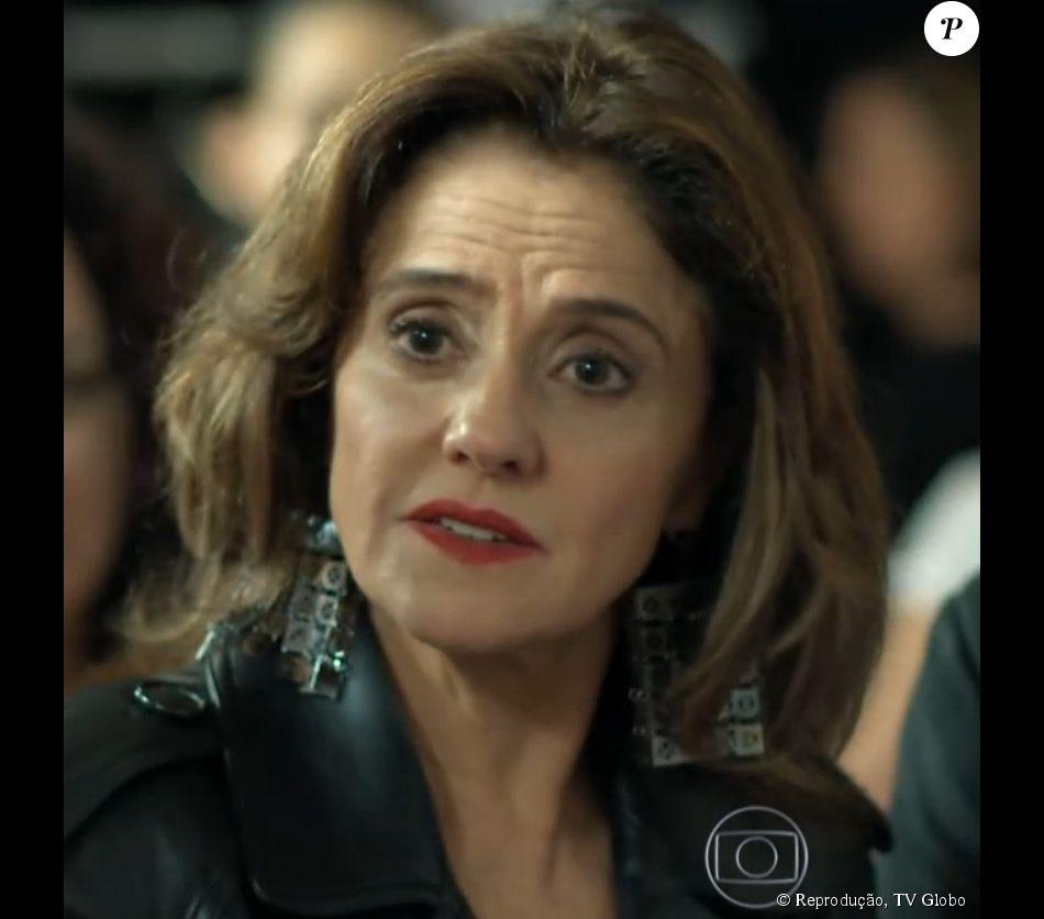 5463b9b25cb97 O brinco Christopher Alexander Earrings para Loja Choix foi usado por Fanny  no desfile de estreia de Angel (Camila Queiroz)