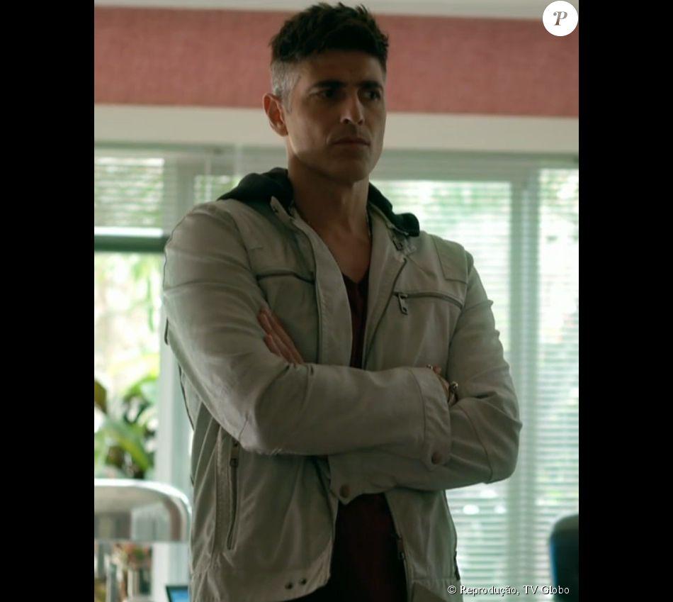 ec164c0a5c6e3 A jaqueta Ellus foi a opção de Anthony (Reynaldo Gianecchini) para um dia  de trabalho na Fanny Models