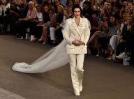 Kendall Jenner desfila de noiva para a Chanel em semana de alta-costura de Paris