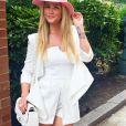 Nas ruas de Nova York, Aline parece elegante com look 'all white'