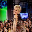 Xuxa se desculpa após foto fazendo ioga e fãs defendem: 'Rainha pode tudo', nesta quarta-feira, 8 de julho de 2015