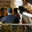 Paolla Oliveira, vilã de 'Além do Tempo', curte barzinho com amigos no Rio, nesta quarta-feira, 8 de julho de 2015