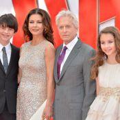 Michael Douglas e Catherine Zeta-Jones vão a première com os filhos em Londres
