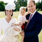 Família Real divulga fotos oficiais do batizado de Charlotte nas redes sociais