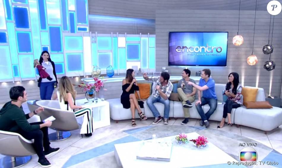 Emílio Dantas contou que tem medo de boneca de porcelana, durante entrevista ao 'Encontro', desta segunda-feira, 20 de julho de 2015