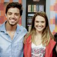 """Juliana Paiva comemora terminar 'Malhação' com contrato renovado com a Globo e comenta a química com Rodrigo Simas na novela teen: 'Não estou falando que não vai acontecer, mas somos só amigos"""""""