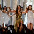 Selena Gomez divulgou o single e o outro álbum em premiações ao redor do mundo