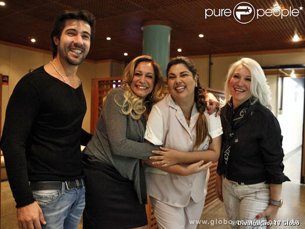 Susana Vieira recebe a visita da sogra e do noivo nos estúdios de 'Amor à Vida'