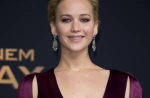Jennifer Lawrence brilha com look decotado Dior em première de 'Jogos Vorazes'