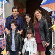 Celso Portioli posa com a família na festa de aniversário de Arthur, filho de Eliana e João Marcelo Bôscoli