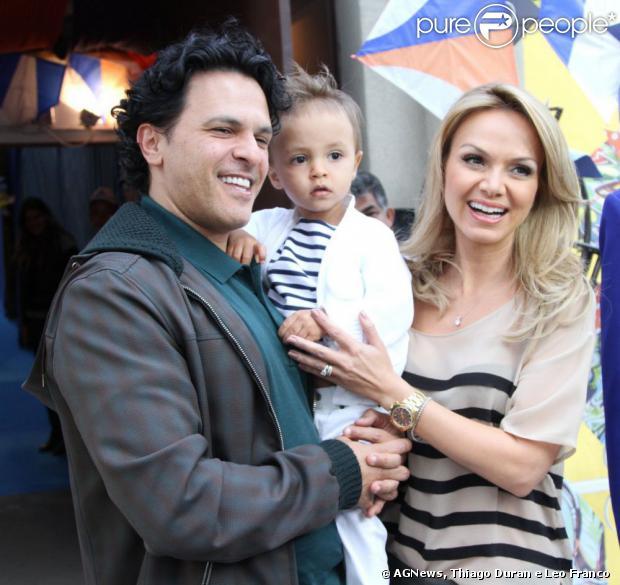 Eliana e João Marcelo Bôscoli comemoram os 2 anos do filho, Arthur, em 11 de agosto de 2013