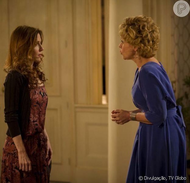 Irene (Deborah Evelyn) se vinga de Bárbara (Giulia Gam) com uma bela surra, em 'Sangue Bom', em agosto de 2013