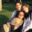 Jesuita Barbosa, de 21 anos, posa com Patricia Pillar e Dira Paes. os atores estão gravando 'Amores Roubados', minissérie da TV Globo que estreia em janeiro de 2014