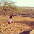 Isis Valverde interpreta Antônia em 'Amores Roubados'. Durante as gravações em Petrolina, Pernambuco, a atriz postou a imagem no Instagram: 'Praticando a arte de fotografar!!!'