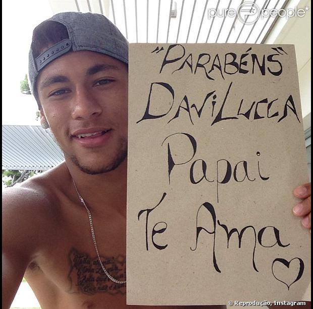 Neymar publica mensagem carinhosa no aniversário de 2 anos do filho, Davi Lucca. A foto foi postada no Instagram em 24 de agosto de 2013